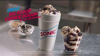 Sonic Drive-In Oreo Big Scoop Cookie Dough TV Spot, 'Mucha masa' [Spanish] - Thumbnail 5