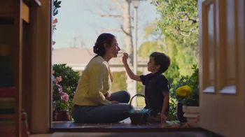 Hershey's TV Spot, 'Easter: Fill It With Love' - Thumbnail 5