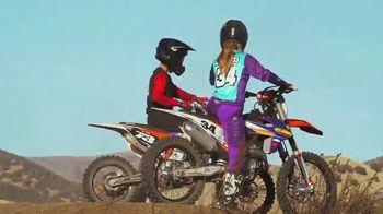 FLY Racing Formula Helmet TV Spot, 'The Allred Family' - Thumbnail 8