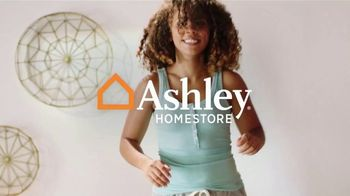 Ashley HomeStore Anniversary Sale Celebration Weekend TV Spot, '50% Off Gildeaway Bases' - Thumbnail 1