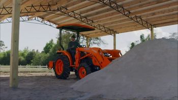 Kubota LX2610SU Tractor Package TV Spot, 'Durability and Versatility' - Thumbnail 4