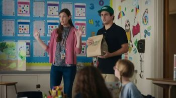 Wingstop TV Spot, 'Lunch to Class' - Thumbnail 5