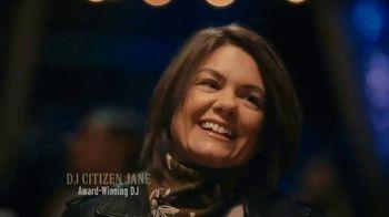 Modelo TV Spot, 'DJ Citizen Jane' Song by Ennio Morricone - Thumbnail 10