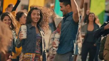 Modelo TV Spot, 'DJ Citizen Jane' Song by Ennio Morricone - Thumbnail 6