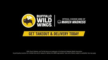 Buffalo Wild Wings TV Spot, 'Get the Crew Together for the Big Dance' - Thumbnail 6