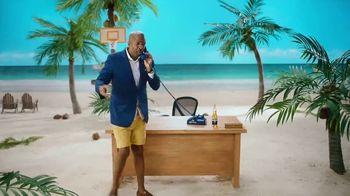 Corona TV Spot, 'Busted Blues' Featuring Kenny Smith - Thumbnail 3
