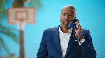 Corona TV Spot, 'Busted Blues' Featuring Kenny Smith - Thumbnail 4