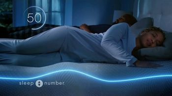 Sleep Number Weekend Special TV Spot, 'Dad-Powering: Save Up to $500 Plus Free Delivery' - Thumbnail 2