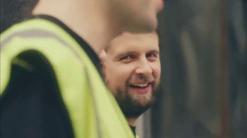 Guinness TV Spot, 'St. Patrick's Day: Look Out for Each Other' - Thumbnail 5
