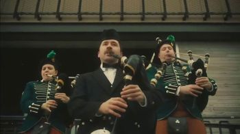 Guinness TV Spot, 'St. Patrick's Day: Look Out for Each Other' - Thumbnail 8