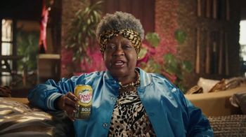Canada Dry Bold Ginger Ale TV Spot, 'Not You're Grandma's Ginger Ale: Clothes' - Thumbnail 4