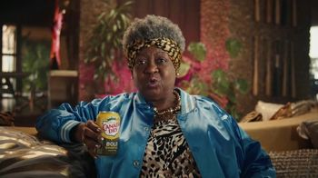 Canada Dry Bold Ginger Ale TV Spot, 'Not You're Grandma's Ginger Ale: Clothes' - Thumbnail 5