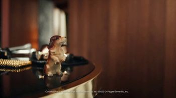Canada Dry Bold Ginger Ale TV Spot, 'Not You're Grandma's Ginger Ale: Clothes' - Thumbnail 9