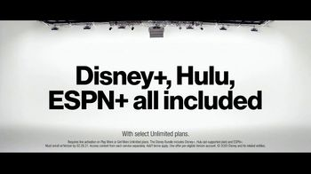 Verizon Unlimited TV Spot, 'Mix & Match 3.0: Galaxy S20 FE 5G UW' - Thumbnail 2