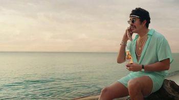 Corona Extra TV Spot, 'Shellphone' Featuring Snoop Dogg, Bad Bunny - Thumbnail 8