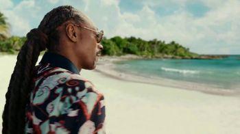 Corona Extra TV Spot, 'Shellphone' Featuring Snoop Dogg, Bad Bunny - Thumbnail 3