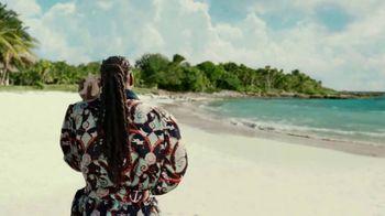 Corona Extra TV Spot, 'Shellphone' Featuring Snoop Dogg, Bad Bunny - Thumbnail 4