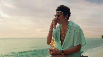 Corona Extra TV Spot, 'Shellphone' Featuring Snoop Dogg, Bad Bunny - Thumbnail 5