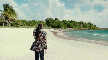 Corona Extra TV Spot, 'Shellphone' Featuring Snoop Dogg, Bad Bunny - Thumbnail 6