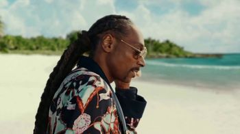 Corona Extra TV Spot, 'Shellphone' Featuring Snoop Dogg, Bad Bunny