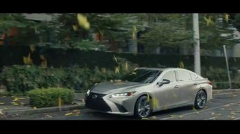 2021 Lexus ES TV Spot, 'Bananas' Song by The Melody Aces [T1] - Thumbnail 5