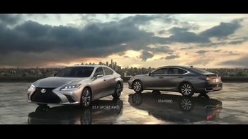 2021 Lexus ES TV Spot, 'Bananas' Song by The Melody Aces [T1] - Thumbnail 9