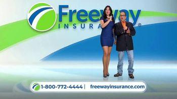 Freeway Insurance TV Spot, 'Todo mundo se cambia' [Spanish] - Thumbnail 7