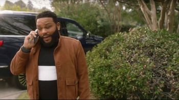 T-Mobile TV Spot, 'Mama: Taxes and Fees: Four Phones' Feat. Anthony Anderson, Song by Etta James - Thumbnail 7