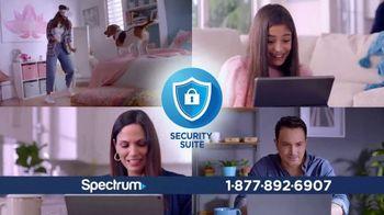Spectrum TV Spot, 'La vida en pausa' con Gaby Espino [Spanish]