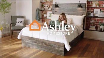 Ashley HomeStore Sale + Clearance Weekend Mattress Event TV Spot, '$300 Ashley Cash' - Thumbnail 1