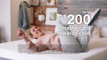 Ashley HomeStore Sale + Clearance Weekend Mattress Event TV Spot, '$300 Ashley Cash' - Thumbnail 10