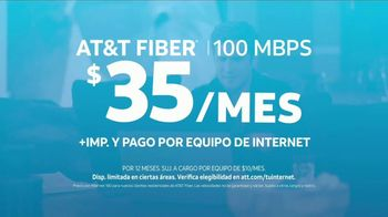 AT&T Internet Fiber TV Spot, 'Entrevista exclusiva: $35 dólares al mes' con Diego Boneta [Spanish] - Thumbnail 7