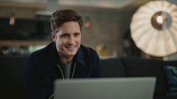 AT&T Internet Fiber TV Spot, 'Entrevista exclusiva: $35 dólares al mes' con Diego Boneta [Spanish] - Thumbnail 4