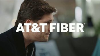 AT&T Internet Fiber TV Spot, 'Entrevista exclusiva: $35 dólares al mes' con Diego Boneta [Spanish] - Thumbnail 5