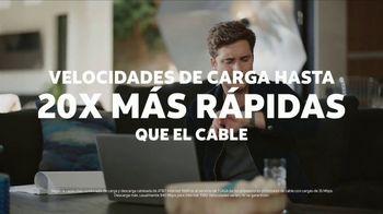 AT&T Internet Fiber TV Spot, 'Entrevista exclusiva: $35 dólares al mes' con Diego Boneta [Spanish] - Thumbnail 6