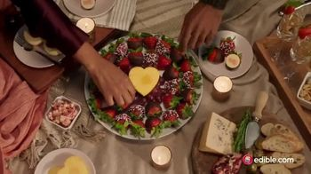 Edible Arrangements TV Spot, 'Valentine's Day: Smile' Song by Andrew Simple