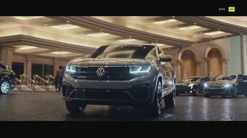 Volkswagen Atlas Cross Sport TV Spot, \'The Accountant Part II\' Feat. Paul Giamatti, Kieran Culkin [T1]