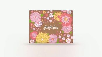 FabFitFun Spring Box TV Spot, 'Sign Up: UV Sanitizing Bed, Slippers and Hair Masque'