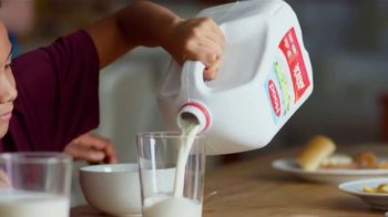 Hood Milk TV Spot, 'Every Nutritious Drop' - Thumbnail 8
