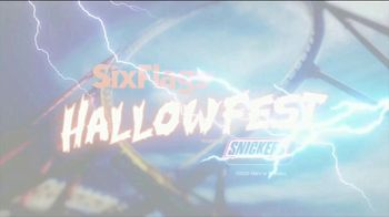Six Flags Hallow Fest TV Spot, 'Day Thrills, Night Chills: Save Up to 70% on 2021 Season Passes' - Thumbnail 3