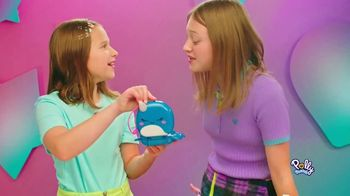 Polly Pocket Compacts TV Spot, 'Snow Much Fun' - Thumbnail 4