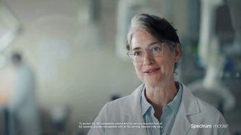 Spectrum Mobile TV Spot, 'Scientist: Save 40%'