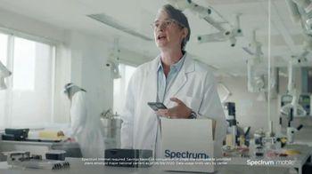 Spectrum Mobile TV Spot, 'Scientist: Save 40%' - Thumbnail 7