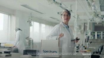 Spectrum Mobile TV Spot, 'Scientist: Save 40%' - Thumbnail 8