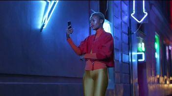 Google Pixel 4a TV Spot, 'Iluminador de selfies: $499 dólares' [Spanish] - Thumbnail 3