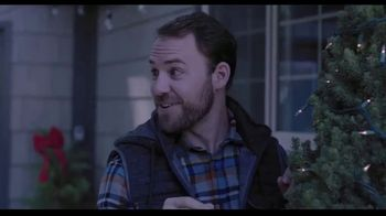 Hallmark Gold Crown Stores TV Spot, 'Share More Merry' - Thumbnail 2