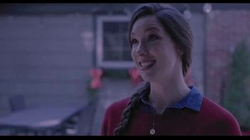 Hallmark Gold Crown Stores TV Spot, 'Share More Merry' - Thumbnail 4