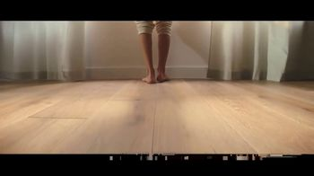 LL Flooring TV Spot, 'Bellawood Distressed Oak Floor: Special Financing and Save up to $500' - Thumbnail 5
