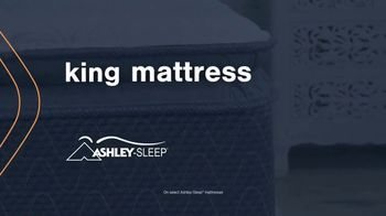 Ashley HomeStore Mattress Marathon TV Spot, 'King for the Price of a Twin' - Thumbnail 5
