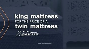 Ashley HomeStore Mattress Marathon TV Spot, 'King for the Price of a Twin' - Thumbnail 6